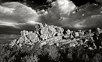 Vedauwoo, storm, clouds, black and white