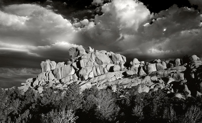 Vedauwoo, storm, clouds, black and white, photo